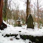 Path to Okusha shrine