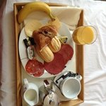My delicious breakfast served to my room
