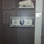 1 million in 10 dollar bills