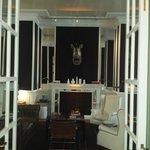 Salón principal bar