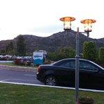Перед главным входом в отель
