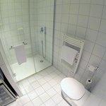 Un gran cuarto de baño