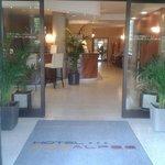 Hotel des Alpes ingresso