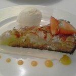 Pear/chocolate tart