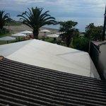 Vista dal balconcino con tettoia in amianto