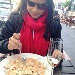 raviolli de salmao ao molho de caviar