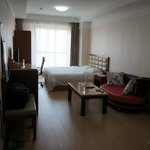 Yifan Apartment Hotel