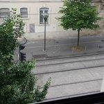 Vue depuis la chambre sur le tram (bruit insuportable)
