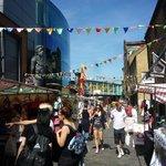 Canalside market