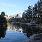 Canal navegável dentro do condomínio