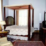 The Cannon Room has Queen Bed and private entrance