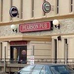 Pearson Pub, bar en restaurant van de Comfort Inn