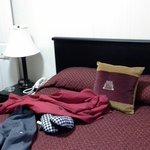 Queen bed room - 2 bed apart