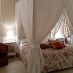 Romantic Canopy Bed