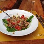 Salada cremosa com cogumelos e mostarda