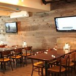 Foto Dogtooth Bar & Grill