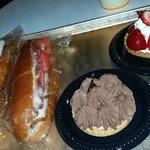 Sandwiches with dessert tarts
