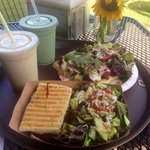 The panini with side salad and the pizza with side salad. Plus, their smoothies were great too!
