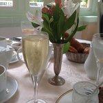 Petit déj avec champagne
