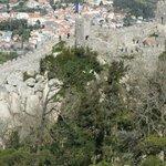 Muralhas do castelo vista da torre mais alta do Castelo dos Mouros