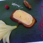 Tartine de foie gras aux poires