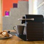 machine espresso dans double supérieur et suites