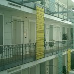Certaines chambres sont accessibles par balcons