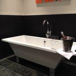 Large bath in our Garden Room