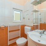 apartment Lavanda- bathroom 2