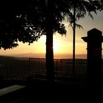 Sonnenuntergang vor dem Restaurant