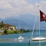 located directly on Lac Leman