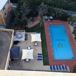 Lovely big Pool, 3 Jacuzzis and a BBQ
