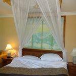 Bed in ocean suite, grand wing