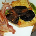 French toast with bacon and mushrooms