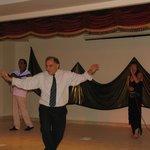 Греческий вечер, наш любимый администратор  и его коронный танец