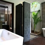 Residence Master bedroom bathroom