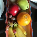 Fruit platter and chocolates to welcome us