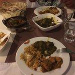 Chicken Saag/ Tandoori Roti