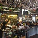 Taller de bici y cafetería