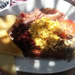 full brekki, could of done with baked beans instead of kidney beans!