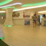Ambassador Playa 1 Reception