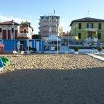 L'Hotel Alsen visto dalla spiaggia!!