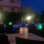 Abends an der poolbar