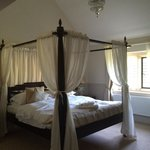 Our four poster bridal suite