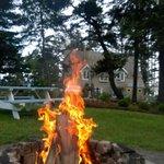 Fire pit, picnic area
