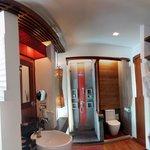 The bathroom in the Hydro Pool Villa