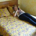 ik op het kleine bed