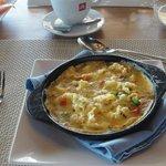 W Signature Omelette. A Roi Mak!