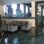 Aquila Elounda Village Lobby und Eingang zur Bar