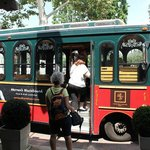 Universal shuttle bus